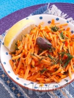 Морковена салата с копър, зехтин и лимонов сок - снимка на рецептата